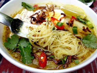 3 hungry tummies: Soto Ayam, Malaysian Chicken Noodle Soup