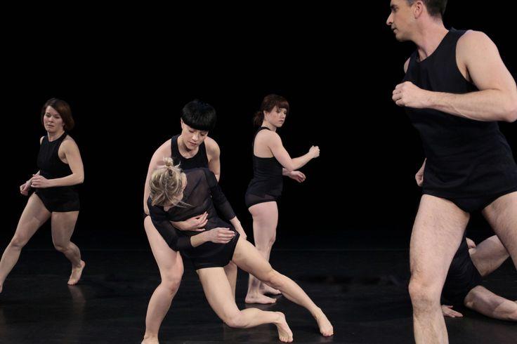 Soif (2014) Photo: Ginette Laurin. Interprètes: Caroline Laurin-Beaucage, Sophie Breton, Stéphanie Tremblay-Abubo, Audrey Bergeron, Robert Meilleur.