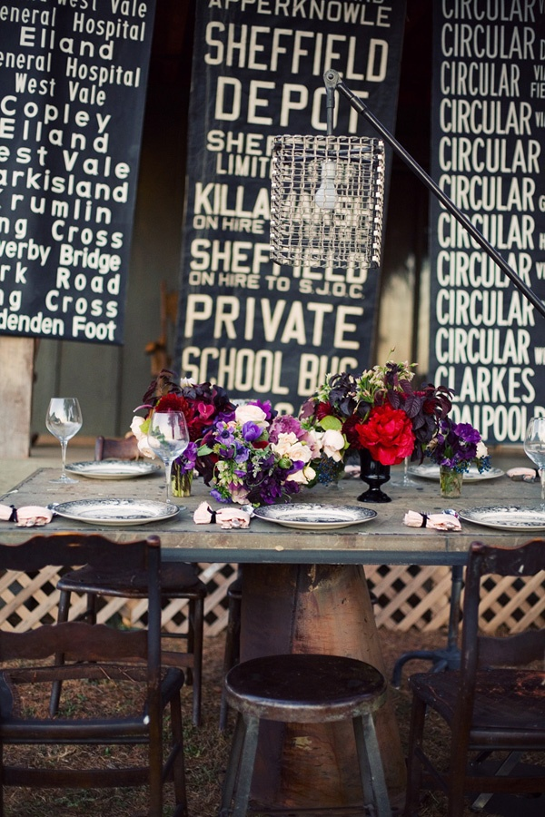 bus blinds  dinner party  rusticWedding Trends, Tables Sets, Subway Art, Subway Signs, Quirky Decor, Wedding Ideas, Country Wedding, Wedding Backdrops, Dining Tables