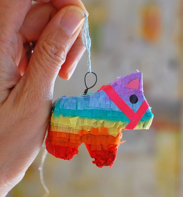 Teeny tiny piñata!!! (Links to full size piñata instructions...shink it down and make it happen? Yes I think so!)