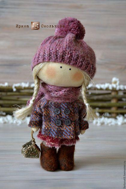 Купить или заказать куколка малышка Маня в интернет-магазине на Ярмарке Мастеров. Маленькая душевная куколка родом из детства. Зовут Маней ) Сшита из хлопка, пальтишко из винтажной шерстяной ткани, шапочка и шарфик связаны из шерстяной пряжи, на ножках валеночки ручной работы.