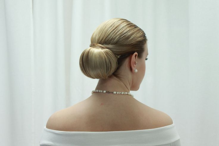 Classic bridal bun. Hairdo by Emmi/Parturi-kampaamo Salon Maria Seinäjoki