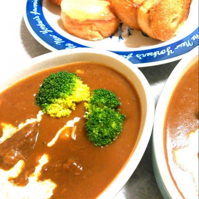 コトコト煮込みました! - 32件のもぐもぐ - 牛すね肉のシチュー by hanakohanako05