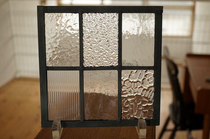 シンプルなラインのステンドグラス。ステンドグラス 長方形 格子2×3 クリア 18cm×18cm