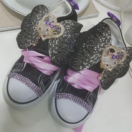 Χειροποίητα παιδικά αθλητικά τύπου all star στολισμένα με την hello kitty μέσα σε strass  http://handmadecollectionqueens.com/παιδικα-αθλητικα-τυπου-all-star-στολισμενα-με-την-hello-kitty-σε-strass  #handmade #fashion #Kid #sneakers #footwear #storiesforqueens #χειροποιητα #μοδα #παιδικα #αθλητικα #υποδηματα