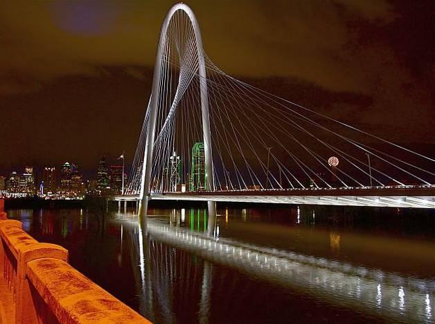 CaptureDallas.com - Dallas and the Margaret Hunt Hill Bridge viewed from the Continental Bridge  Photo: John Babis