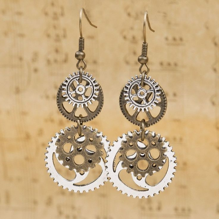 Complete your steampunk look with this elegant pair of vintage earrings. The fashion jewelry can also turn a simple look to an interesting ensemble. Relive the romance of Victorian fashion combined wi