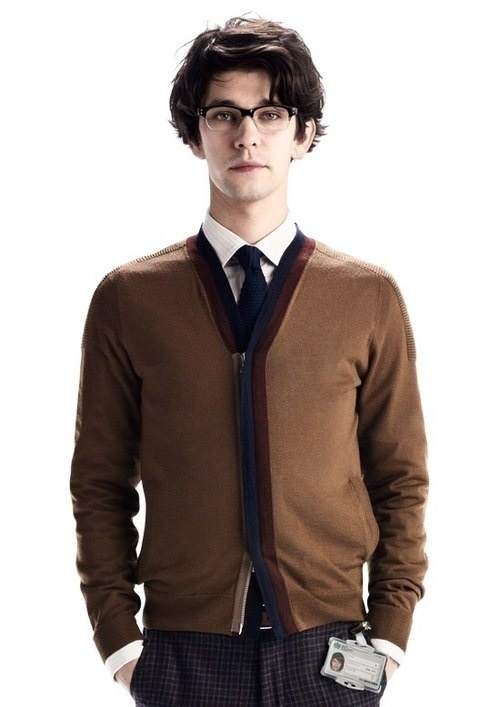 Q played by Ben Whishaw...I love his hair!!!