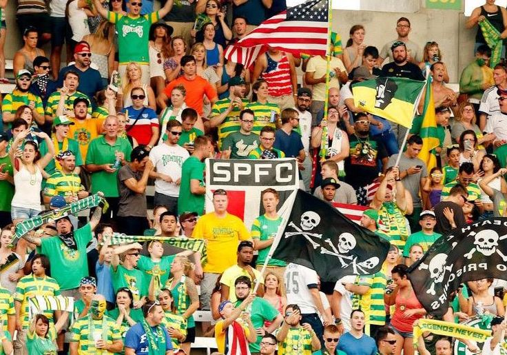 .@RalphsMob representing the Rowdies and @SaoPauloFC during last night's match.