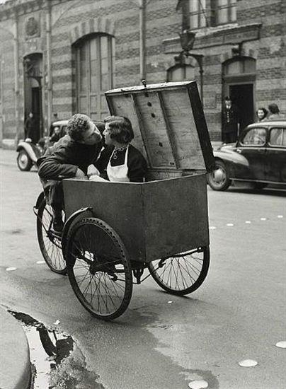 Il bacio in bicicletta di Doisneau