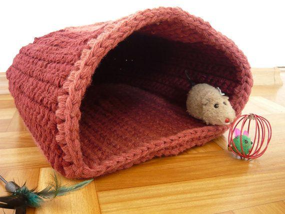 Handmade crochet pet bed cat cave cat basket gift by MariAnnieArt