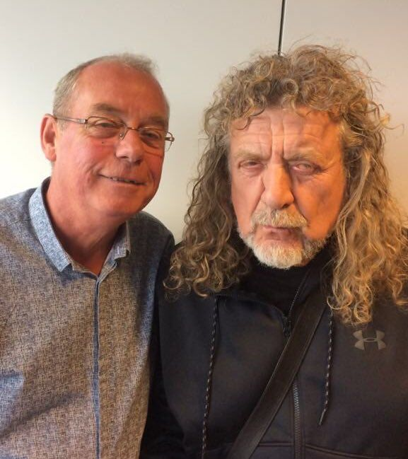 robert plant photographed recently - 577×649