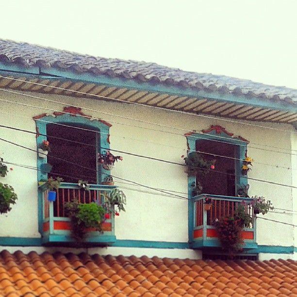 Balcones tipicos en Genova, Quindio. http://instagram.com/luisfeliperoliveros