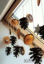 Гирлянда из апельсинов, шишек и звезд из полимерной глины
