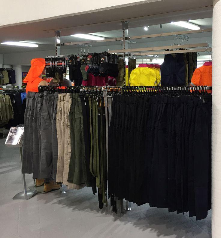 #sfsi #install #workscene #moorebank #clothingandfashion #MAXe #floortoceiling #chrome #clothingbay #doublesidebay