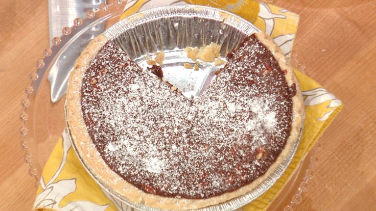 Buddy Valastro's Chocolate Pecan Pie #desserts #thanksgiving #pie