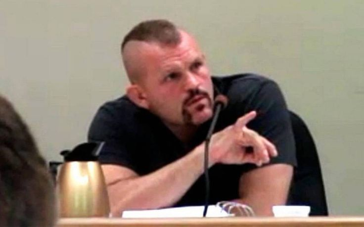 Mold in home sold by #UFC star Chuck Liddell sickened 9-year-old girl, lawsuit claims http://www.sanluisobispo.com/news/local/article152269227.html #mold