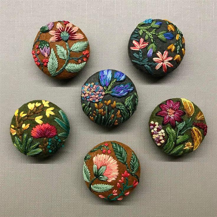 More   #embroidery #buttons #stitch #pin #brooch #nakis #broderie #handembroidery #modernembroidery #modernmaker #creamente #DMCthreads #handstitched #artstudio #fiberart #textileart #elnakisi #maker #embroideryart