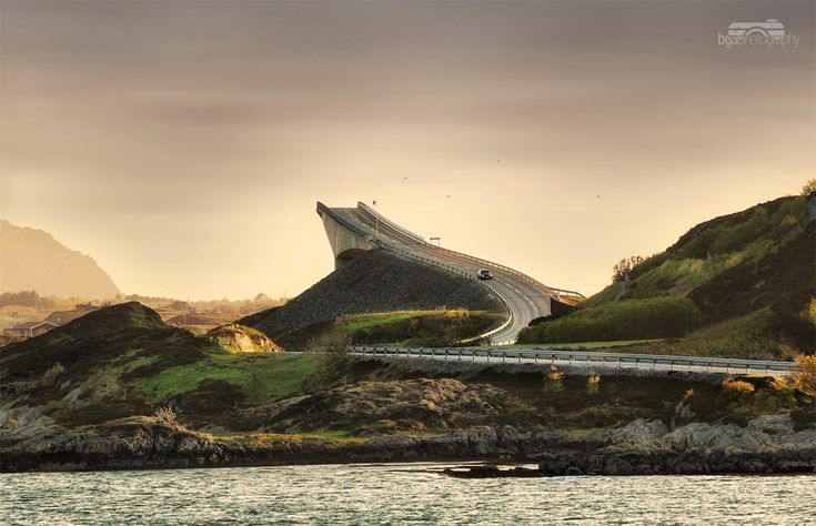 The Storseisundet Bridge is the longest of the eight bridges that make up the Atlantic Road, the road connection from the mainland Romsdal peninsula to the island of Averøya in Møre og Romsdal county, Norway