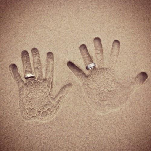 Que idéia sensacional de foto para um casamento na praia!!!