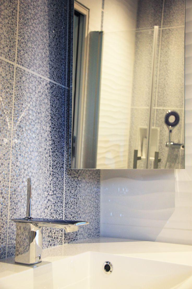Les 25 meilleures id es de la cat gorie miroir suspendu - Petit miroir salle de bain ...