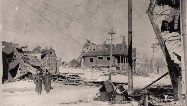 Soldiers patrol a north-end Halifax neighbourhood after the Halifax Explosion. (W.G. MACLAUGHLAN / The Chronicle Herald)