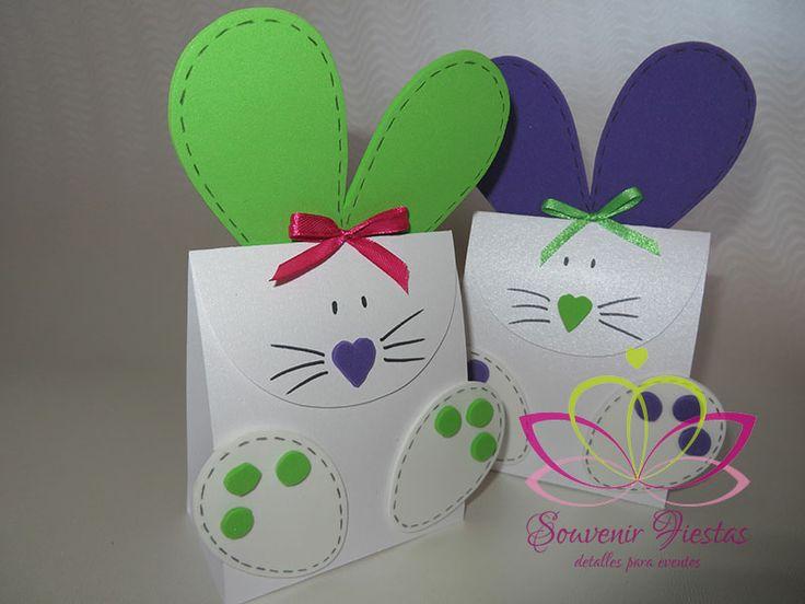 Encantadores conejos contenedores de huevitos de Pascua www.souvenirfiestas.cl