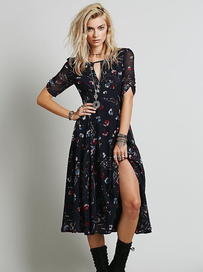 Çiçek Desenli Midi Elbise Çiçek Desenli Midi Elbise Elbise En Trend Elbiseler 112,00 TL