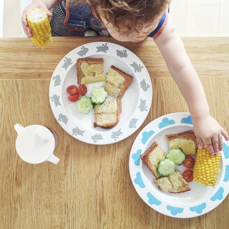 With our toddler, we find it best to eat family meals together. It definitely encourages the picky eater to tuck in | Cloud and bunny plates by Buddy and Bear | Take a look at the cute toddler tableware to help fussy eaters