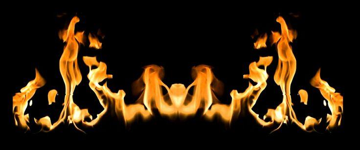 #WUW #quant tu veux# #When U Want #vraie flamme # #pap #foyer #feu de bois #hasard #photographer #byalaincarlier #love #dreams #imagination