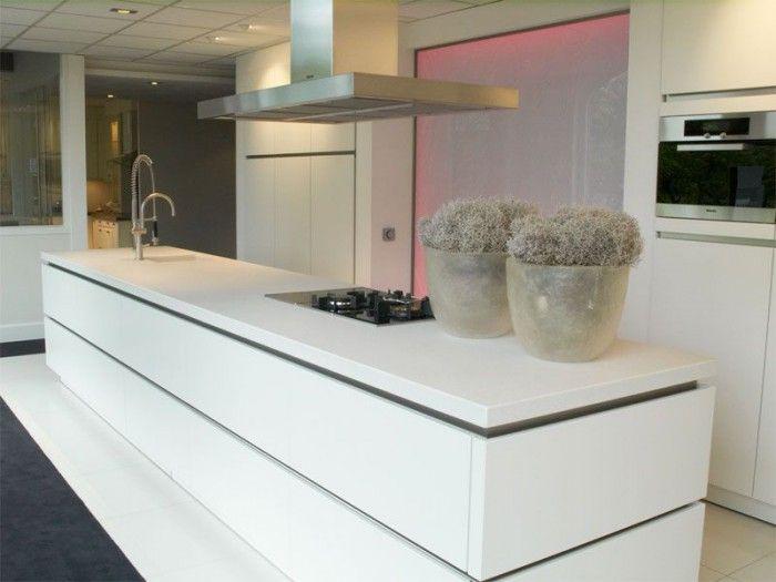 matwitte keuken met wit blad