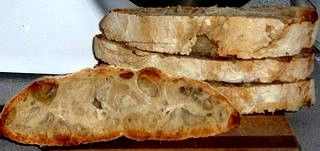 Dear readers, fear not! I have not forgotten my New Year's resolution to bake more bread. And since I am on spring break and have the lux...