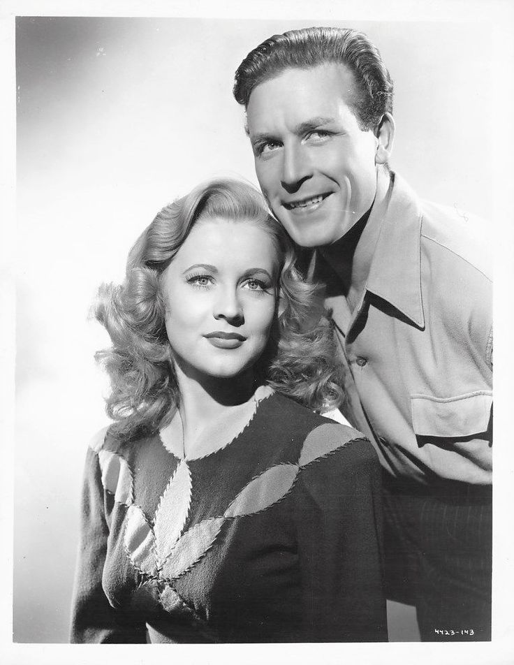 Anne Jeffreys and Lawrence Tierney in Dillinger (1945)