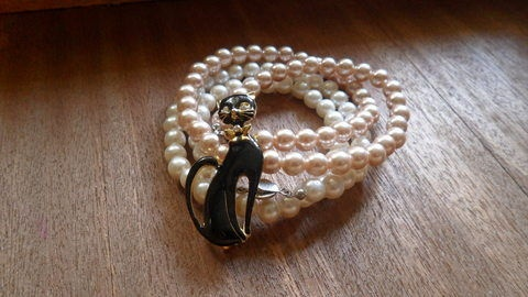 For Charisma Rogers: Easy Multistrand, Easy Multi Strands, Multistrand Pearls, Pearls Necklaces, Multi Colors, Pearl Bracelets, Multi Strands Pearls, Easy Pearls, Pearls Bracelets