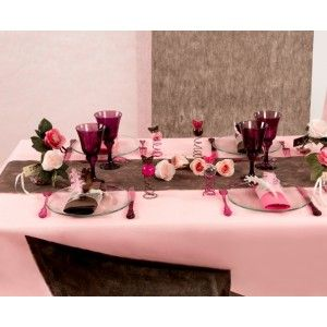 Nappe intissé rose en tissu non tissé uni 150 x 300 cm