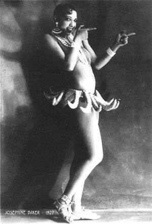 Josephine Baker in her infamous Banana costume.African American, Danse Sauvage, Costumes, Artificial Bananas, Josephine Bakers, Icons, Art History, Black History, Joséphine Bakers