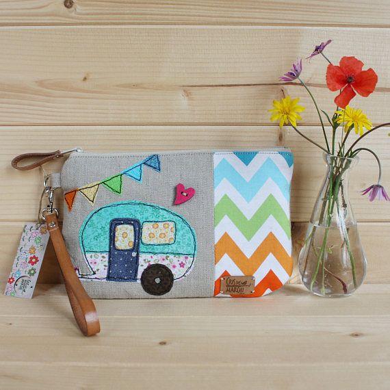 Pochette porta trucco allegra e colorata con applicazioni in