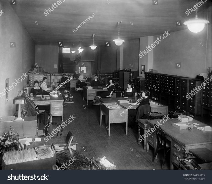 Office of the Underwood Typewriter Company in Washington, D.C., ca. 1910.