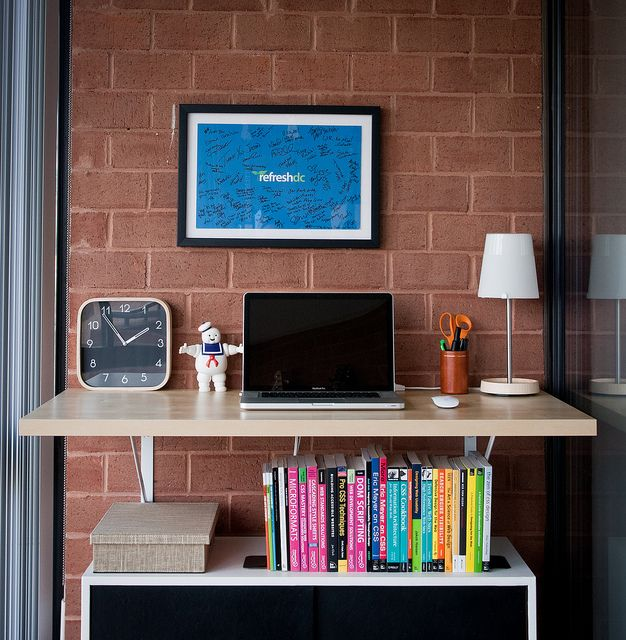 Wall Mounted Standing Desk With Bookshelf Underneath
