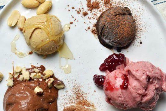 recept-na-Zdravá-fitness-zmrzlina-z-jediné-ingredience-+-5-variant-552x368