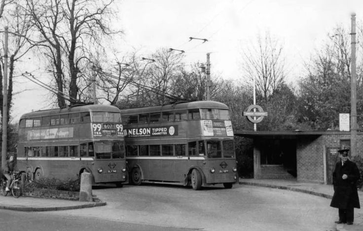 https://flic.kr/p/zM6Enq | London Transport DLY748 DLY677 | 1937 F1 Class ##748 and #677 , here at Uxbridge on Route 607 , replaced by the 207 in November 1960. (Collection)