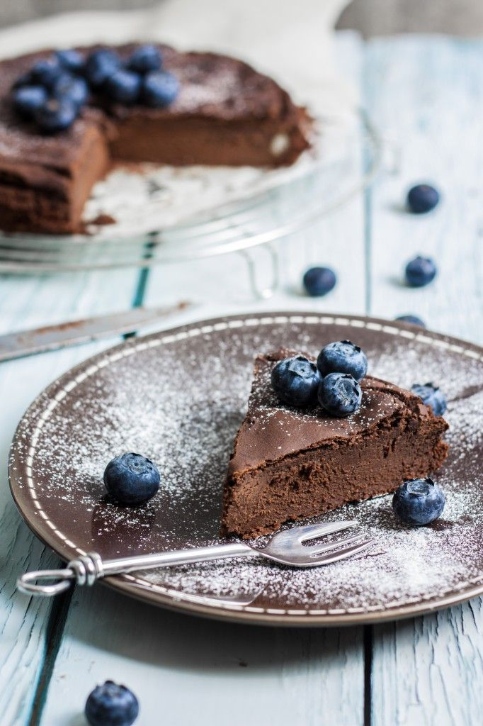 Gluten-free dark chocolate cake made with chickpeas! Make with flax eggs to make this #vegan