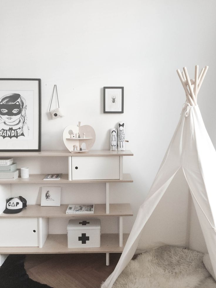 Beau's room, Gray Label tipi, Mini & Maximus bandit poster, Oeuf NYC Library, naked lunge dolls, Rock & Pebbles Apple House, Hagedornhagen beetle, Beau Loves Cap