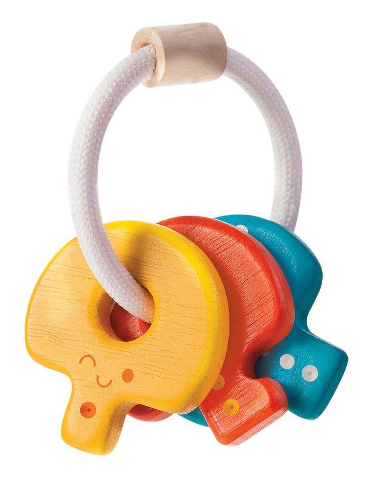 Den farvestrålende nøglerangle fra PlanToys fremmer barnets finmotorik. Nøglerne er lette at holde fast i for barnet og den rasler fint og spændende for det lillebitte minimenneske. Om PlanToys Gennem mere end 30 år har PlanToys arbejdet hen imod at sikre en bæredygtig produktion af kvalitetslegetøj. PlanToys bestræbelser har båret frugt. Så ikke alene er PlanToys kendt for at være den første virksomhed, der fremstiller legetøj uden brug af imprægneringsmidler - det er ligeledes lykkedes…