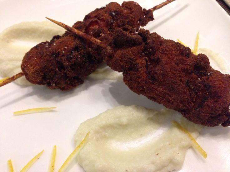 Bocconcini di pollo fritto su vellutata di cavolfiore - Palatium  Enoteca Regionale - Roma #annaincasa #palatium #roma #ilgustodellazio #regionelazio