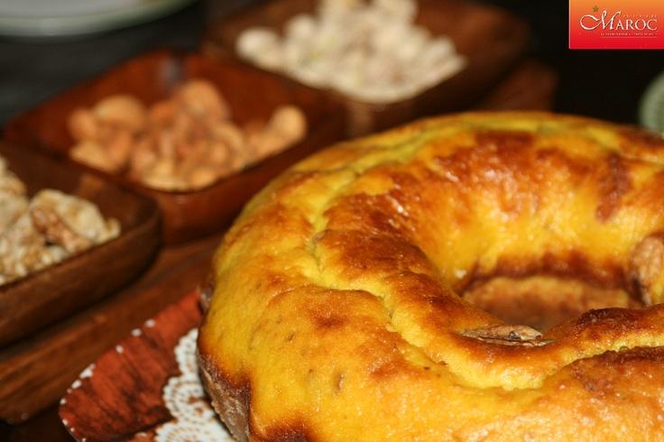 Un gâteau au citron et noix http://www.recettesmaroc.com/recettes/desserts/recette-gateau-au-citron-et-amandes