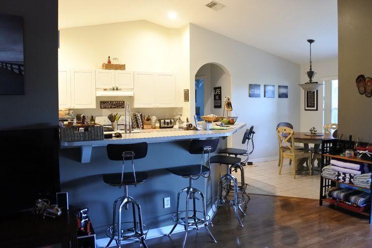 #Blick vom #Wohnzimmer in die offene #Küche im #AmericanEagle  Jetzt buchen unter florida4you.eu  #Florida #Reise #USA #florida4you #capecoral #urlaub #fortmyers #matlacha #unitedstates #sunshinestate #sun #Sonne #everglades #miamibeach #Ferienhaus #Vermietung