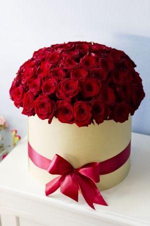 Букет из 59 ароматных бордовых роз в коробке JARDIN #lejardinbotanique…