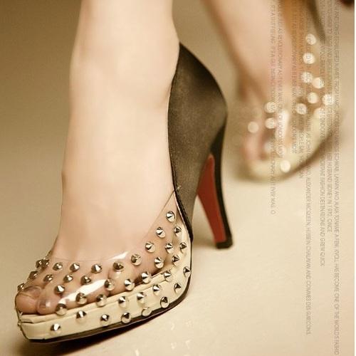 Womens Open-Toe Shoes