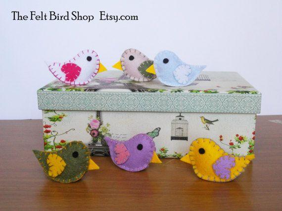Uccellini di Feltro  Set di 6 uccellini di TheFeltBirdShop su Etsy
